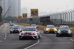 Andy Yan Cheuk Wai, Liqui Moly Team Engstler Volkswagen Golf GTI TCR; Dusan Borkovic, B3 Racing Team