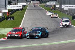 James Nash, Lukoil Craft-Bamboo Racing, SEAT León TCR; Stefano Comini, Comtoyou Racing, Audi RS3 LMS