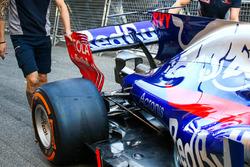 Scuderia Toro Rosso STR12, ala posteriore
