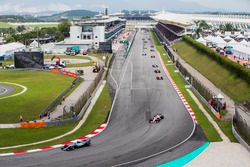Valtteri Bottas, Mercedes AMG F1 W08, Sergio Perez, Sahara Force India F1 VJM10, Stoffel Vandoorne,