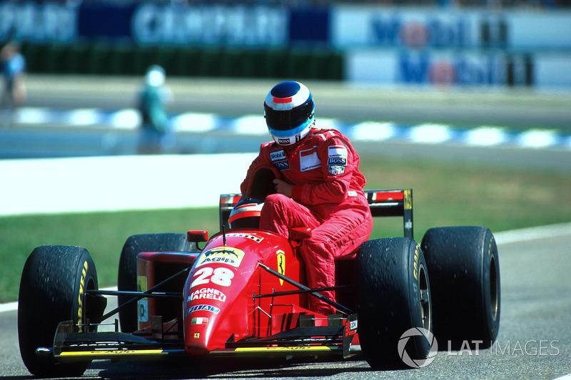 Hockenheim 1995: Gerhard Berger (Ferrari) carica Mika Häkkinen (McLaren)