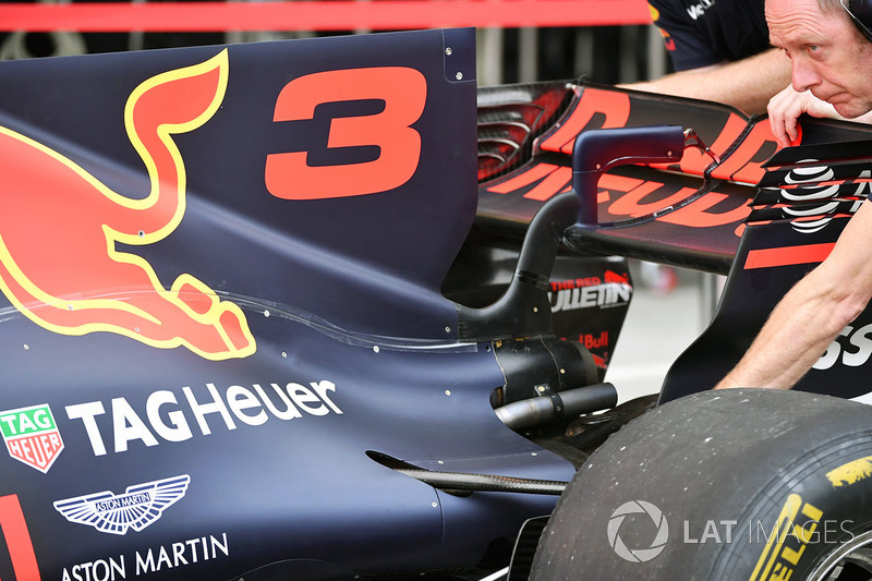 Red Bull Racing RB13 arka kanat detay
