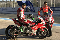Lorenzo Savadori, Milwaukee Aprilia World Superbike Team; Eugene Laverty, Milwaukee Aprilia World Su
