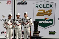 Ganador GTLM: #911 Porsche Team North America Porsche 911 RSR: Patrick Pilet, Dirk Werner, Frédéric