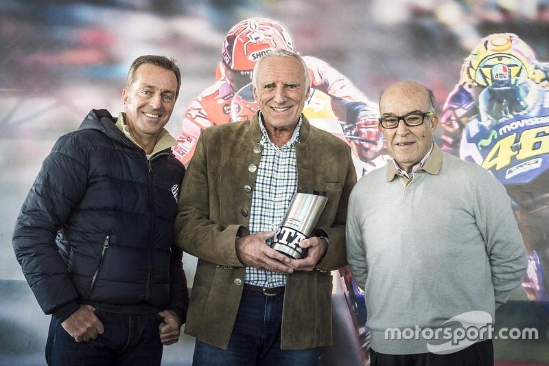 Hervé Poncharal, Presiden IRTA; Dietrich Mateschitz, CEO dan Founder Red Bull; Carmelo Ezpeleta, CEO Dorna Sports S.L