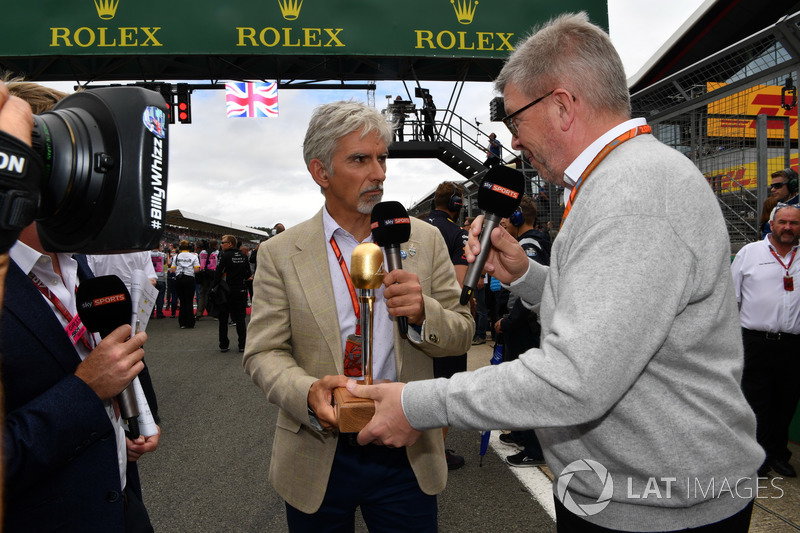 Simon Lazenby, Sky TV, Damon Hill, Sky TV et Ross Brawn, directeur de la compétition du Formula One Group