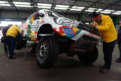 Teams prepare for the long voyage to South America