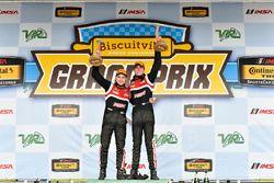 Podium: race winners Dillon Machavern, Dylan Murcott, RS1
