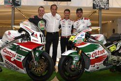 Lucio Cecchinello, Responsable del Team LCR Honda , Cal Crutchlow, Team LCR Honda, Aaron Slight