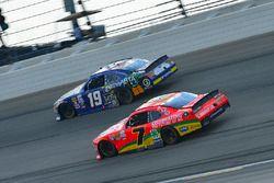 Justin Allgaier, JR Motorsports Chevrolet, Matt Tifft, Joe Gibbs Racing Toyota