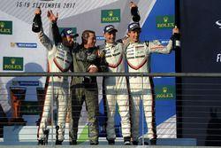 Победители: Брендон Хартли, Эрл Бамбер, Тимо Бернхард, Porsche Team