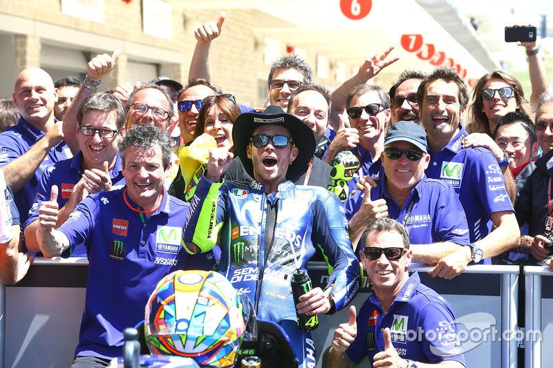 Rossi foi o segundo e celebrou bastante, já que o resultado deu a ele a liderança do campeonato.
