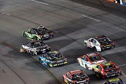 Chase Elliott, Hendrick Motorsports Chevrolet, Kevin Harvick, Stewart-Haas Racing Ford, Erik Jones,