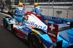 Победители в LMP2, экипаж №31 Vaillante Rebellion Racing Oreca 07 Gibson: Жюльен Каналь, Бруно Сенна