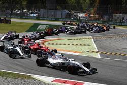 Lance Stroll, Williams FW40, Kimi Raikkonen, Ferrari SF70H, Valtteri Bottas, Mercedes AMG F1 W08, Sebastian Vettel, Ferrari SF70H