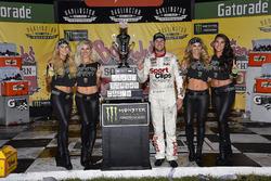 Победитель гонки Денни Хэмлин, Joe Gibbs Racing Toyota