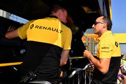Роберт Кубица, Renault Sport F1 Team и Алан Пермейн, гоночный инженер Renault Sport F1 Team