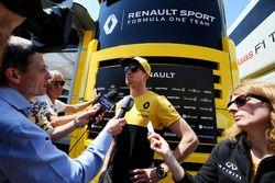 Nico Hülkenberg, Renault Sport F1 Team met de media