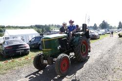 Fans op een tractor