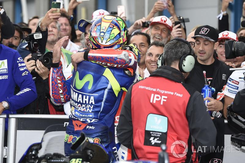 Carrera ganador Valentino Rossi, Yamaha Factory Racing, Danilo Petrucci, Pramac Racing