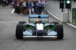 Mick Schumacher pilote la Benetton B194