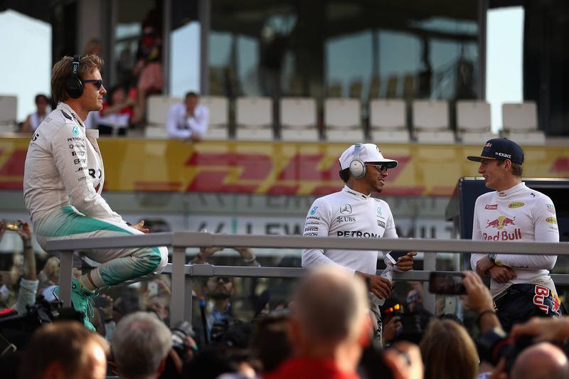 Nico Rosberg, Mercedes AMG F1, Lewis Hamilton, Mercedes AMG F1, Max Verstappen, Red Bull Racing