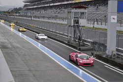 レーシングカー同乗走行体験