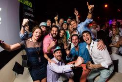 Nico Rosberg, Mercedes AMG F1 fête son titre de Champion du monde avec des amis