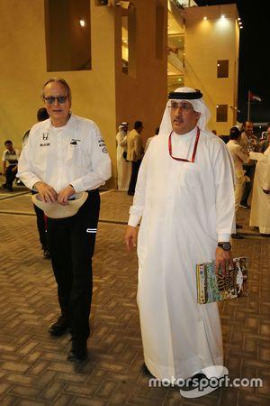 Mansour Ojjeh, McLaren, Anteilseigner, mit Scheich Mohammed bin Essa Al Khalifa aus Bahrain und McLaren-Anteilseigner