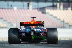 Max Verstappen, Red Bull Racing RB13 avec de la peinture flow-viz