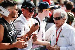 Sir Jackie Stewart con fans