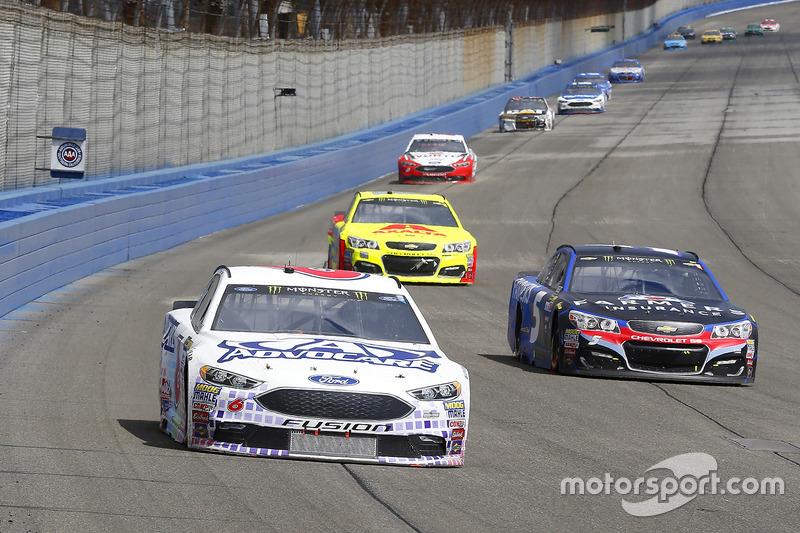 Trevor Bayne, Roush Fenway Racing Ford y Kasey Kahne, Hendrick Motorsports Chevrolet