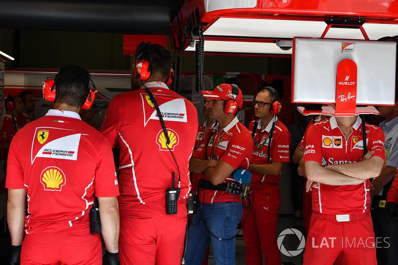 Марк Жене, Ferrari, в боксах