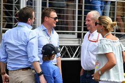 Dr Helmut Marko, Red Bull, en gasten