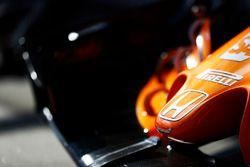 Honda logo and nose detail on the McLaren MCL32