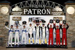 Podio GTLM: i vincitori Antonio Garcia, Jan Magnussen, Mike Rockenfeller, Corvette Racing, al second