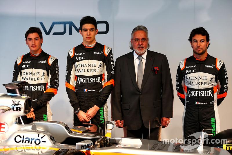 Alfonso Celis Jr, Esteban Ocon, Vijay Mallya, Sergio Perez und der Force India VJM10