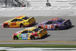 Joey Logano, Team Penske Ford, Kyle Busch, Joe Gibbs Racing Toyota, Denny Hamlin, Joe Gibbs Racing Toyota