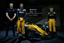 ltr Sergey Sirotkin, Renault Sport F1 Team derde rijder met Jolyon Palmer, Renault Sport F1 Team en