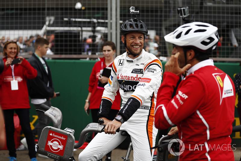 Jenson Button, McLaren, Marc Gene de Ferrari en Bicicletas Santander