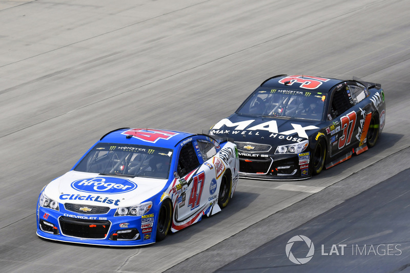 A.J. Allmendinger, JTG Daugherty Racing, Chevrolet; Chris Buescher, JTG Daugherty Racing, Chevrolet