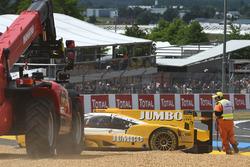 Bergung des Unfallautos von #29 Racing Team Nederland, Dallara P217 Gibson: Frits van Eerd