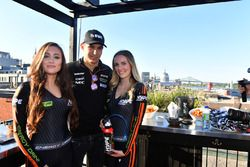 Esteban Ocon, Sahara Force India F1, mit Girls