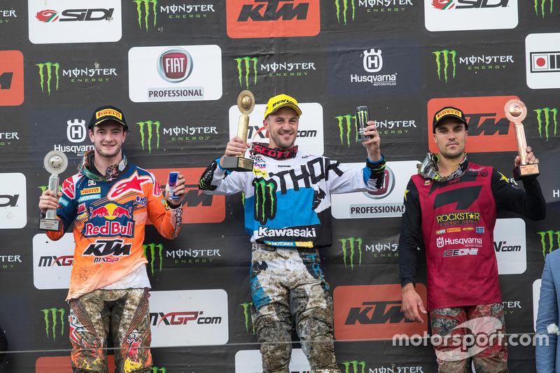 Podium: ganador, Clément Desalle, Monster Energy Kawasaki Racing, segundo, Jeffrey Herlings, KTM Factory Racing, tercero, Gautier Paulin, Rockstar Husqvarna