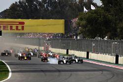 Verbremser: Lewis Hamilton, Mercedes AMG F1 W07 Hybrid; Max Verstappen, Red Bull Racing RB12; Nico Rosberg, Mercedes AMG F1 W07 Hybrid