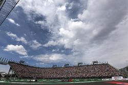 Valtteri Bottas, Williams FW38, Sergio Perez, Sahara Force India F1 VJM09
