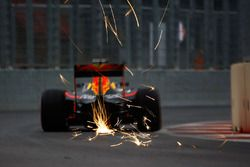 Daniel Ricciardo, Red Bull Racing RB12, Funkenflug