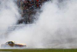 Le vainqueur Joey Logano, Team Penske Ford