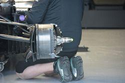 Un frein de la Mercedes AMG F1 W07 Hybrid