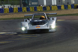 #8 Audi Sport Team Joest, Audi R8R: Франк Била, Дидье Тейс, Эмануле Пирро